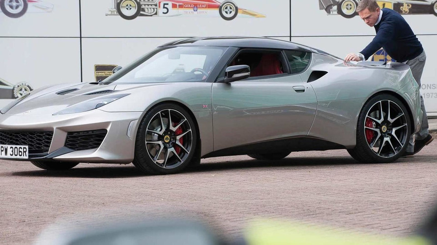 Daniel Craig takes delivery of Lotus Evora 400