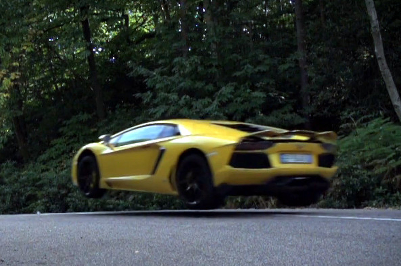 Watch UK Journalists Jump a $455K Lamborghini Aventador [video]
