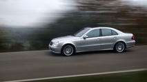 Mercedes-Benz E 350 with sports equipment