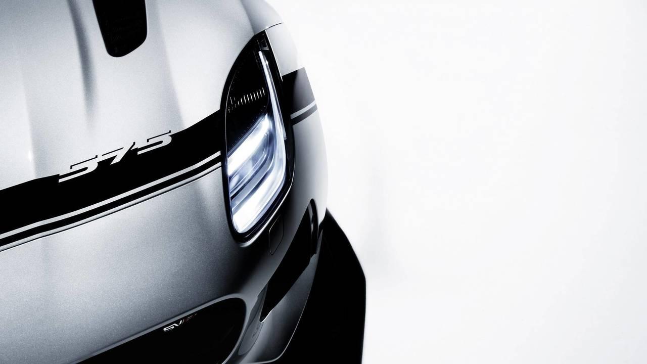 Jaguar F-TYPE SVR 2018 con Graphic Pack