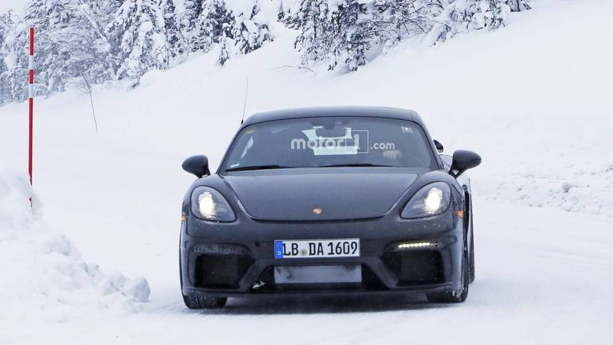 2019 Porsche Cayman GT4 spy photos