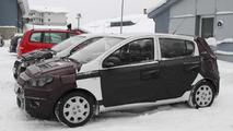 2012 Hyundai i20 Facelift prototype spy photo