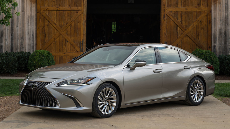 Lexus President Thinks Electric Car Push Is Too Soon