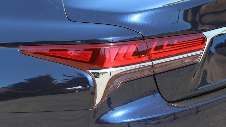 2018 Lexus LS 500h: Review