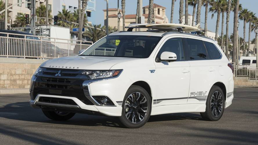 2018 mitsubishi outlander phev first drive head of the class of one. Black Bedroom Furniture Sets. Home Design Ideas