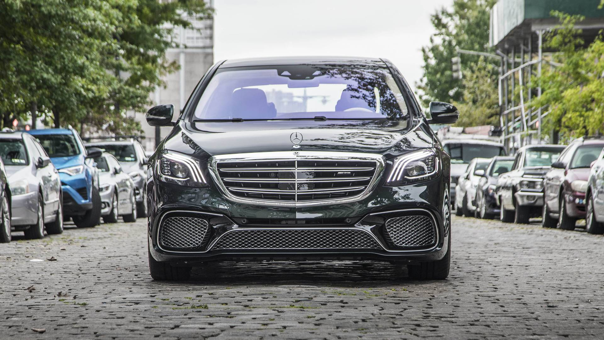 https://icdn-7.motor1.com/images/mgl/PjkPX/s1/2018-mercedes-amg-s65-review.jpg
