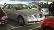 2010 Mercedes-Benz S-Class Facelift Spied in Parking Garage