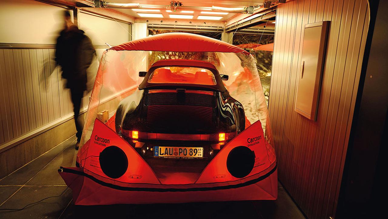 1989 Porsche Speedster garage