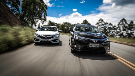 Comparativo Toyota Corolla XRS x Honda Civic EXL - Preto no branco