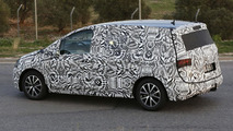 2015 / 2016 Volkswagen Touran spy photo