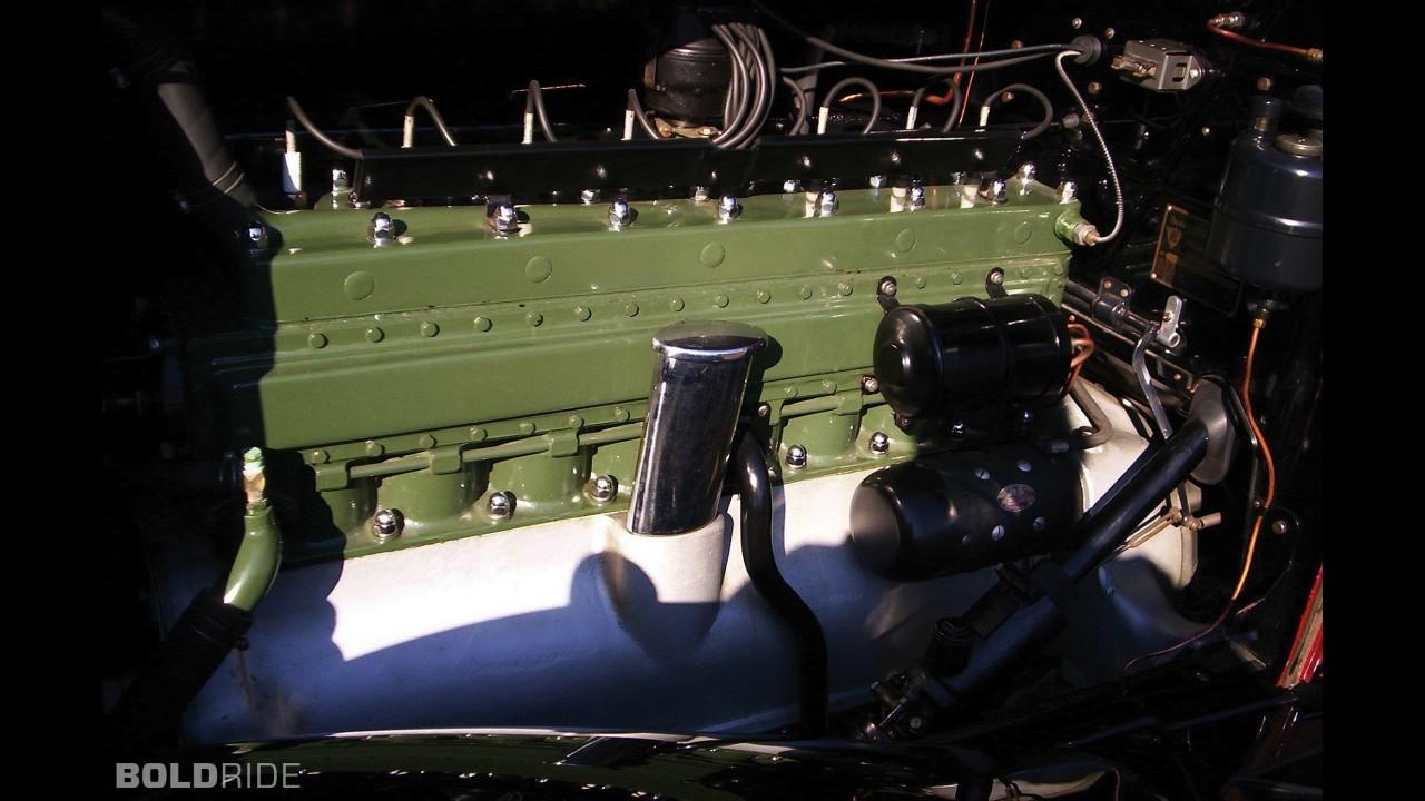 Packard Deluxe Eight Dual Cowl Phaeton