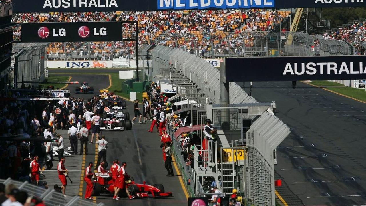 Action in the Pitlane, Australian Grand Prix, Saturday Practice, 28.03.2009 Melbourne, Australia