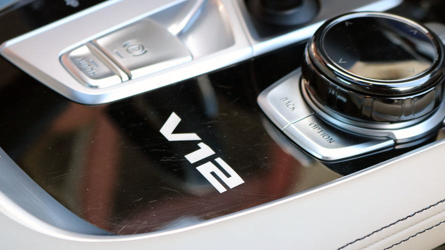 BMW, Avrupa'da M760i'nin V12'sini yelpazeden düşürebilir!