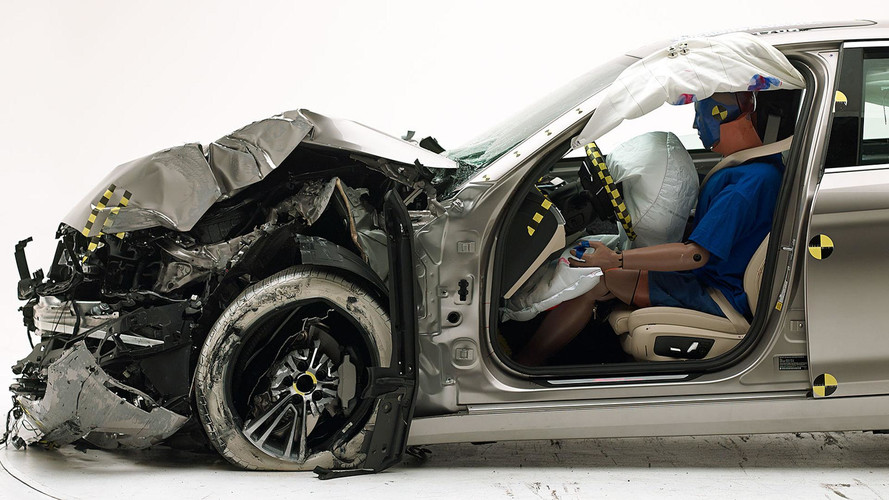 2017 BMW 5 Series Earns IIHS Top Safety Pick+