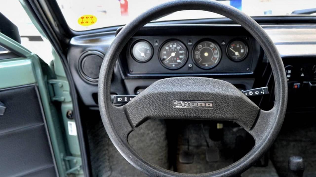 1984 Skoda 120 L direksiyon simidi