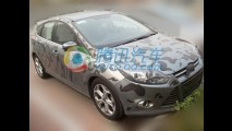 Flagra: Ford Focus chinês é mostrado aos concessionários antes do lançamento