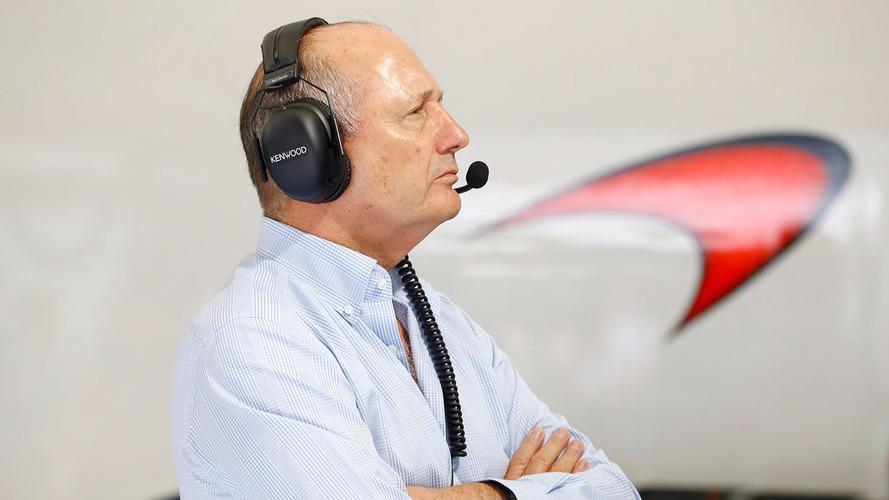 Ron Dennis, président de McLaren dans le garage