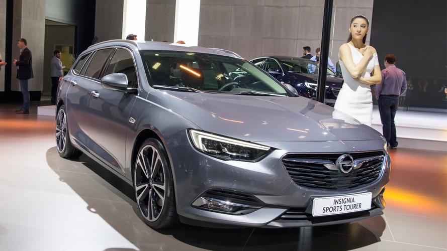 Opel Insignia ailesi Autoshow'da Passat'a gözdağı veriyor