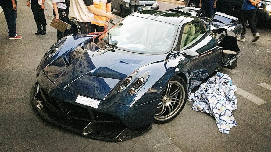 One-off Pagani Huayra Pearl wrecked in Paris