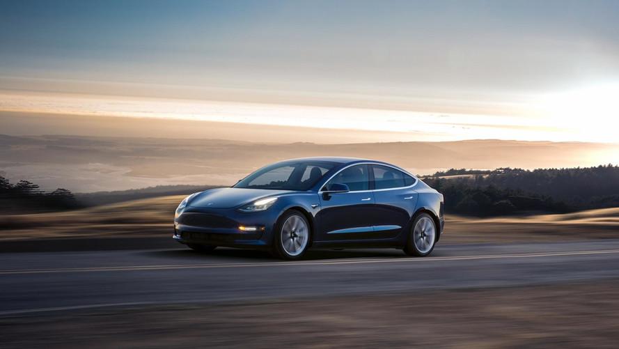 Néhány éven belül az elektromos autók piacának felét is letarolhatja a Tesla
