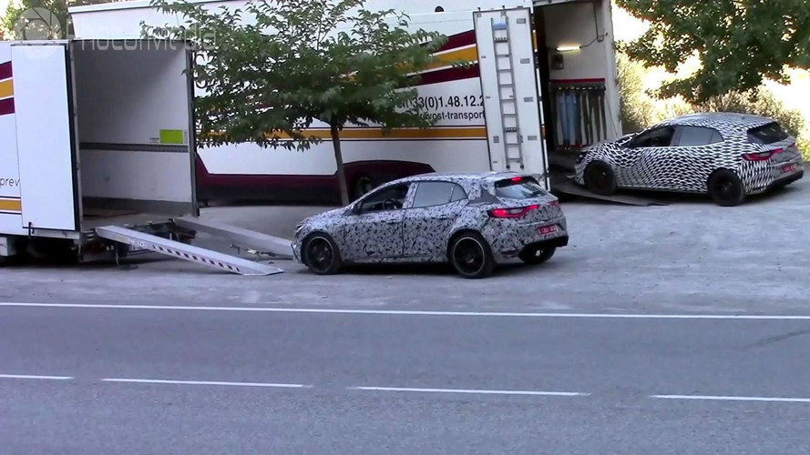 2018 Renault Megane RS Trio Filmed While Being Loaded Into Trucks