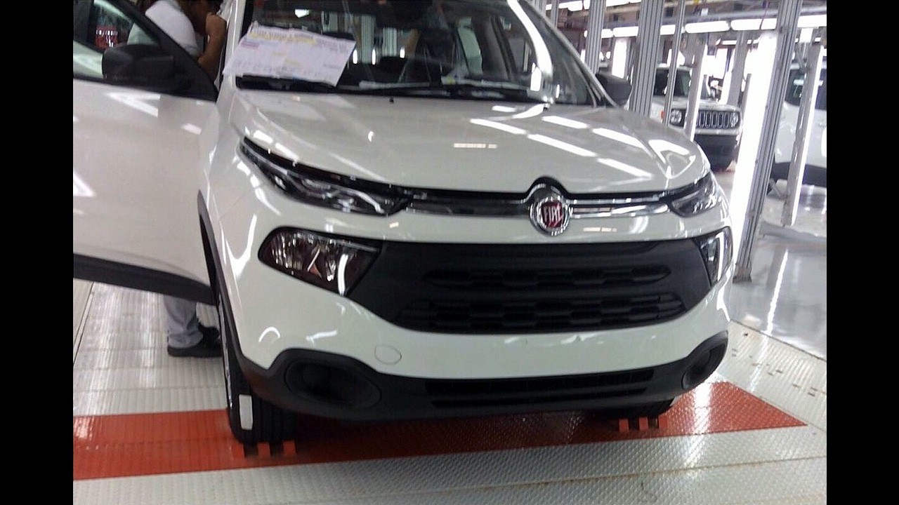 Flagra: picape Fiat Toro é revelada por completo!