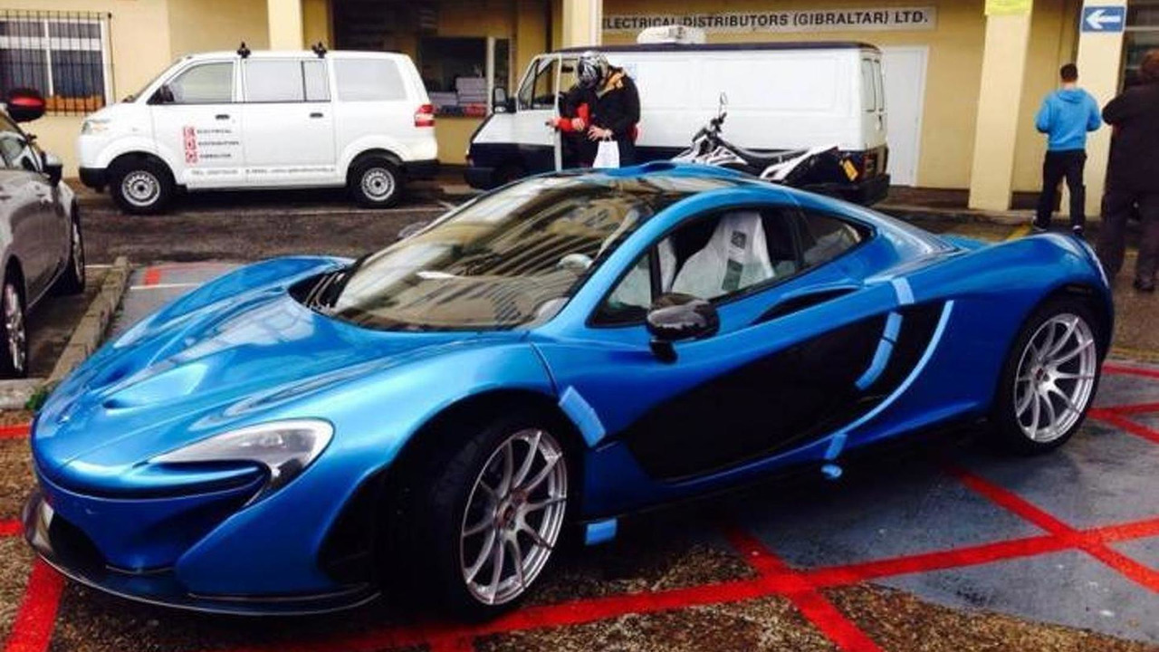 McLaren P1 with SLR Blue paint