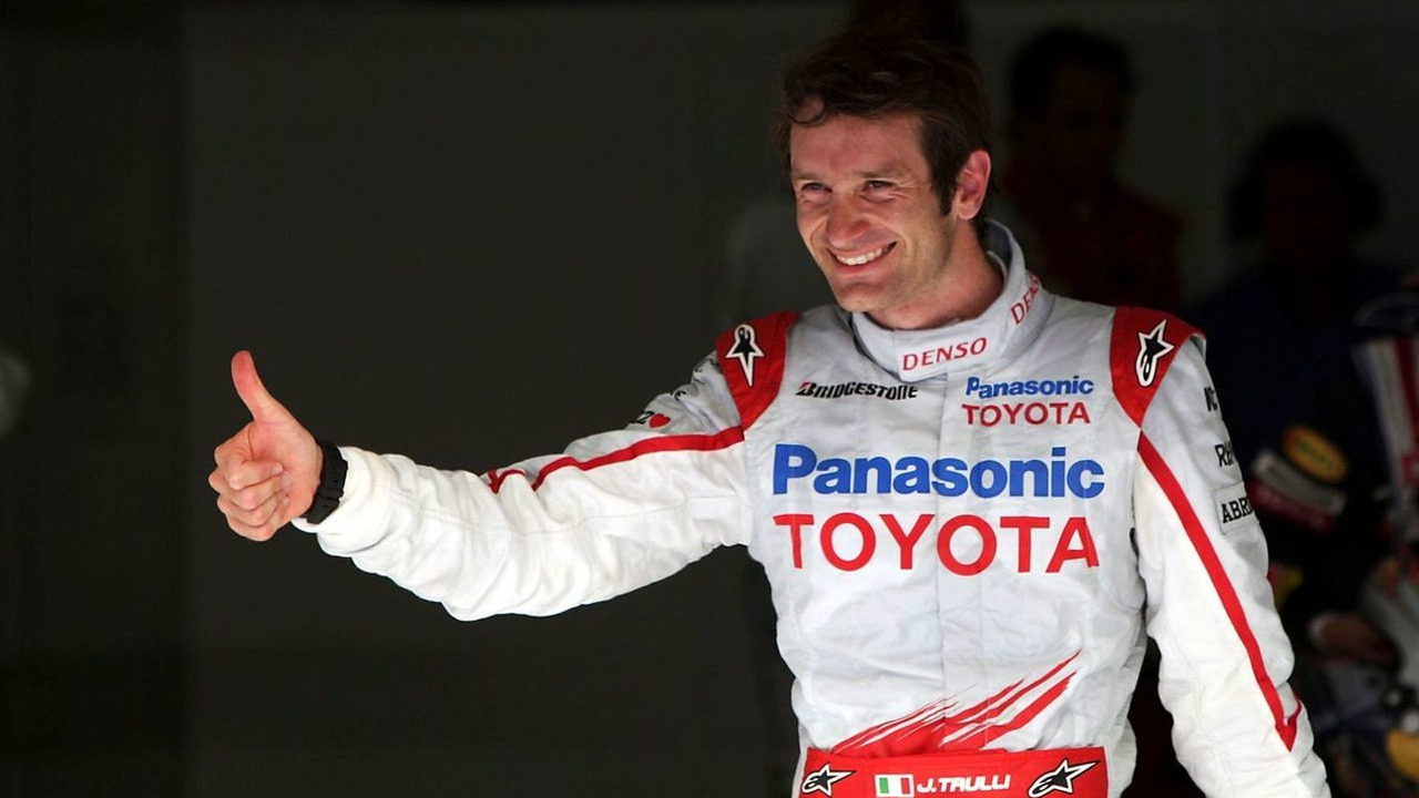 Jarno Trulli celebrates pole position in Bahrain 2009