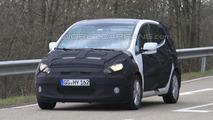 Mystery Kia Venga Facelift Spy photo 15.04.2010