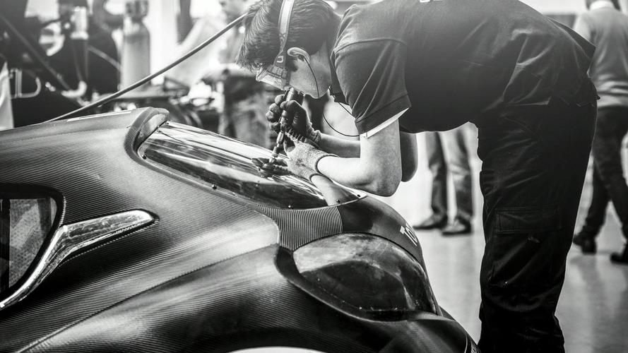 Sebastien Loeb tests Peugeot 208 T16 Pikes Peak [video]