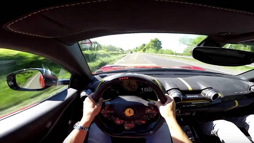 Vídeo de un Ferrari 812 Superfast, a 320 km/h en una Autobahn