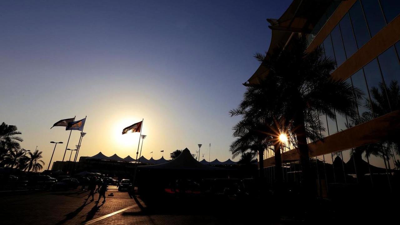 Paddock atmosphere at Yas Marina Circuit, Abu Dhabi / XPB