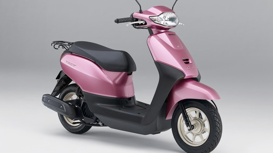 rivals honda and yamaha announce talks to collaborate on scooters. Black Bedroom Furniture Sets. Home Design Ideas