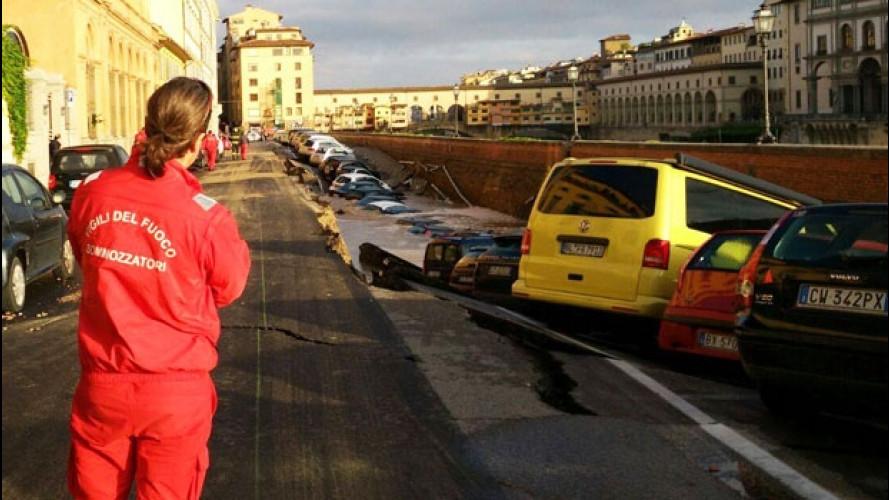 Voragine lungarno Firenze, quale risarcimento per le auto