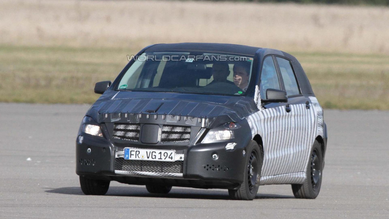 2012 Mercedes B-Class spy photo - 10.29.10