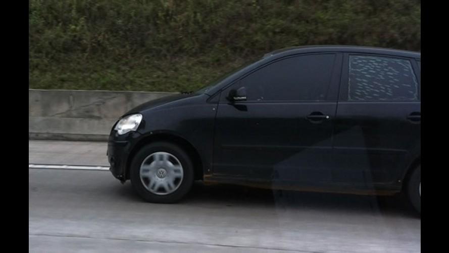 G1 flagra VW Up! disfarçado de Polo - imagem confirma que novo compacto nacional terá mudanças na traseira em relação ao europeu