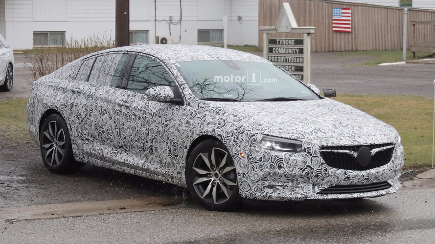 Buick Regal station wagon ve liftback görüntülendi