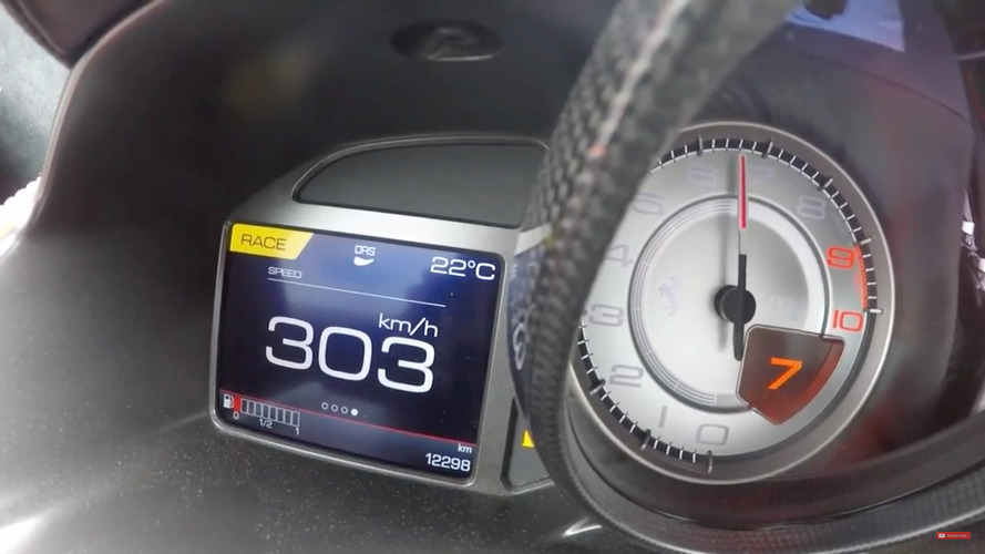 Ferrari 812 Superfast'i 300 km/s hıza ulaşırken görün