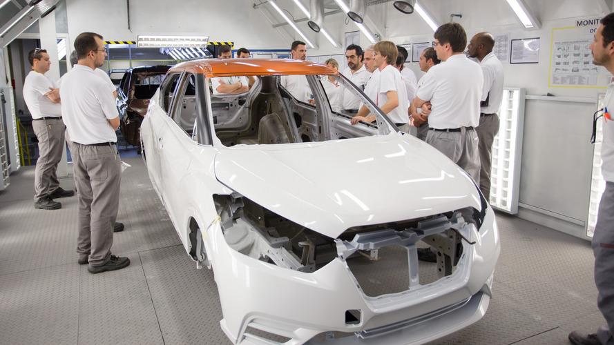 Nissan Kicks: 1ª unidade bicolor é pintada na fábrica de Resende (RJ)