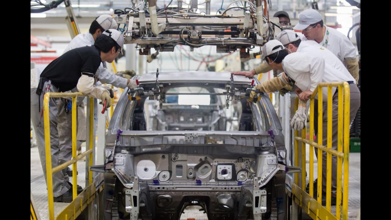 Nissan monta 1ª unidade do Kicks nacional na fábrica de Resende (RJ)