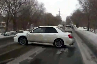 Subaru WRX Driver 360s Way Out of a Potential Crash