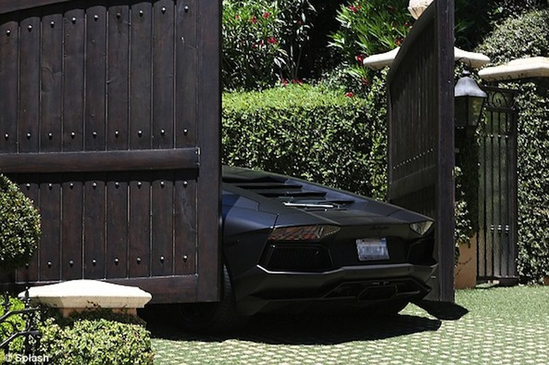 Video: Kanye West's Aventador Slams Kim Kardashian's Wooden Gate