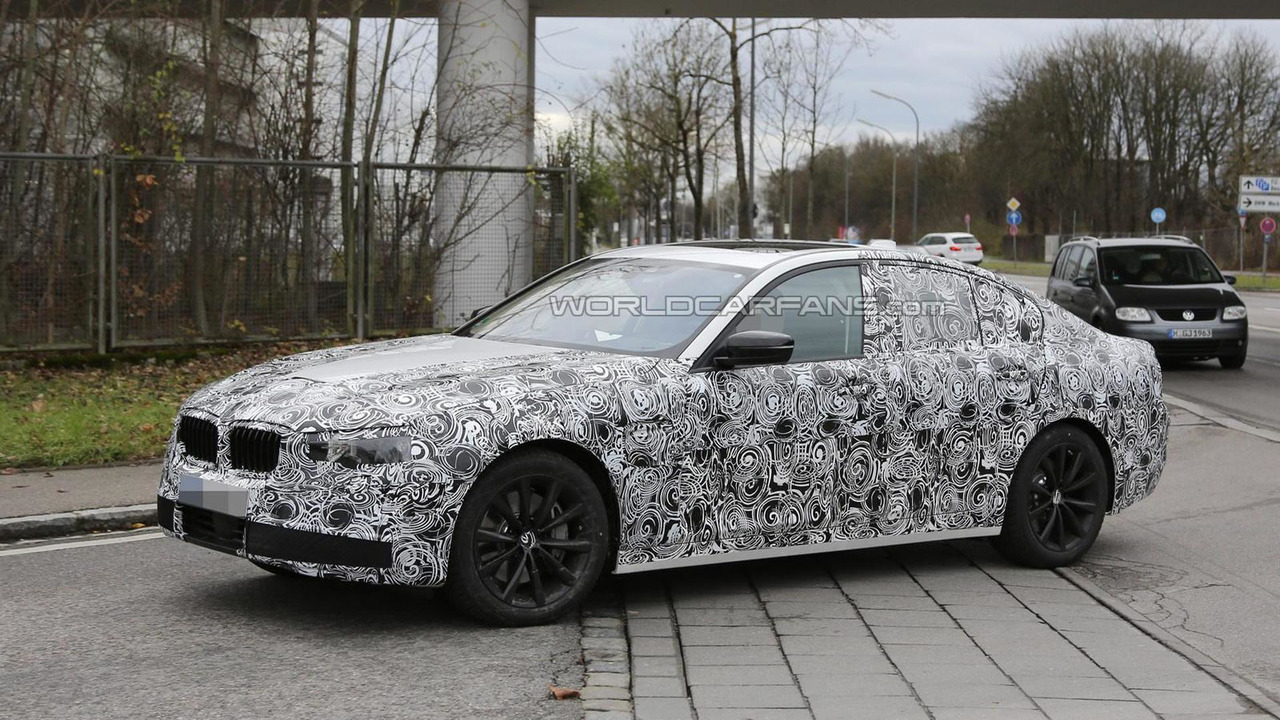 2016 BMW 5-Series sedan plug-in hybrid spy photo