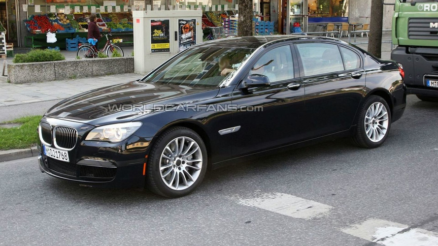 BMW 7-Series M-sport package spotted uncovered - It's no M7