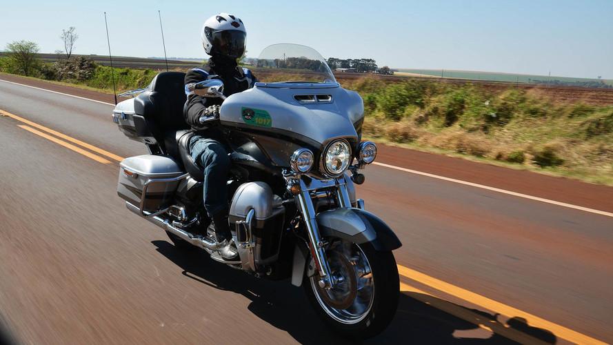 Encontro nacional da Harley-Davidson reúne 800 motos - incluindo a