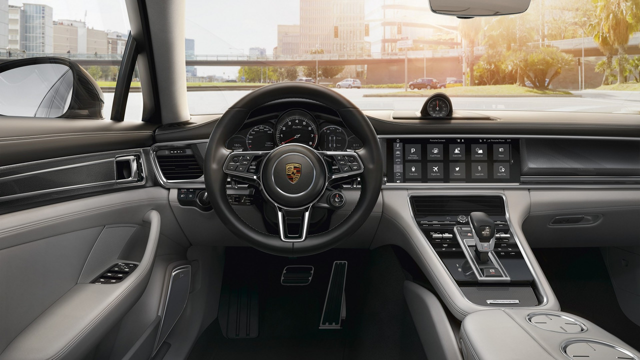 Porsche Communication Management in the 2017 Panamera