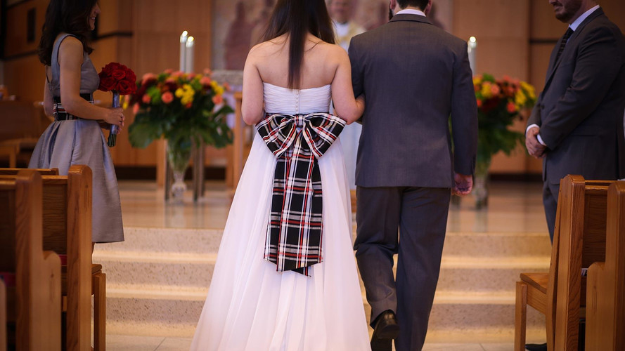 GTI-Loving Couple Says It's A Nice Day For a Plaid Wedding