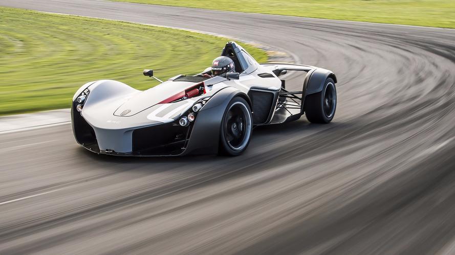 La BAC Mono plus rapide que la McLaren P1 GTR !