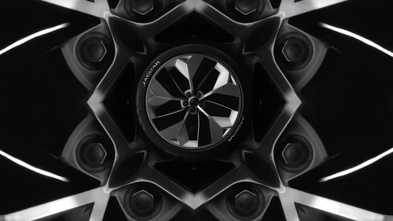 Teaser EV SUV Jaguar