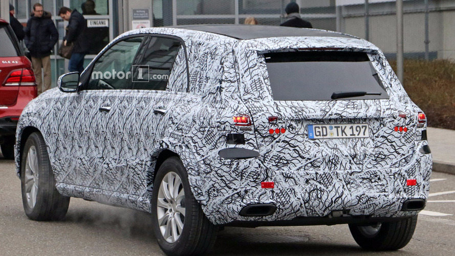 2019 Mercedes Gle Interior Partially Revealed In Spy Shots